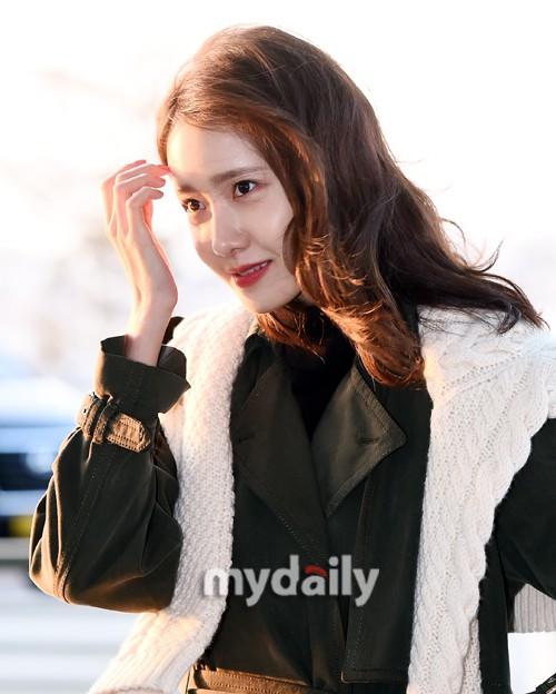 Mấy ai bì được đẳng cấp của nữ thần Yoona: Đẹp xuất thần đến mức biến loạt ảnh phóng viên chụp thành bìa tạp chí - Ảnh 7.