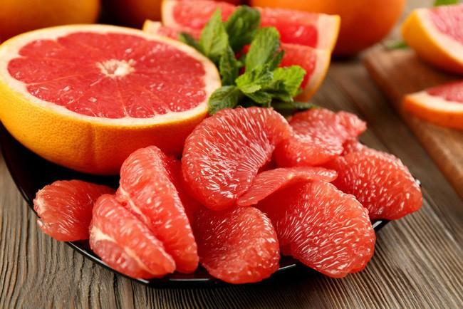 Tận dụng ngay loại trái cây thường ăn nhiều dịp đầu năm này để chữa bệnh lại giúp diệt gọn mỡ thừa - ảnh 1