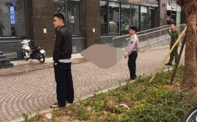 Hà Nội: Phát hiện người phụ nữ tử vong ở sân chung cư sau tiếng động mạnh - ảnh 1