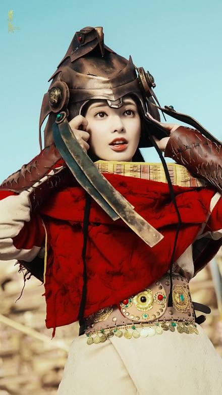 Fan Đông Cung tranh cãi vì cặp mắt to như... con ốc của nữ chính Bành Tiểu Nhiễm - Ảnh 1.