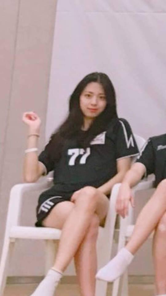 Nữ sinh Hàn trong đội bóng chuyền gây bão mạng vì xinh như nữ thần Kpop, ai dè chính là tân binh khủng nhà JYP - Ảnh 4.