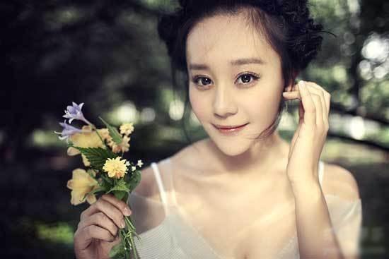 Dàn diễn viên Độc Cô Hoàng Hậu: Trần Kiều Ân bị đồn ngủ với trai trẻ, Hạ Tử Vy khai gian tuổi tác - Ảnh 18.