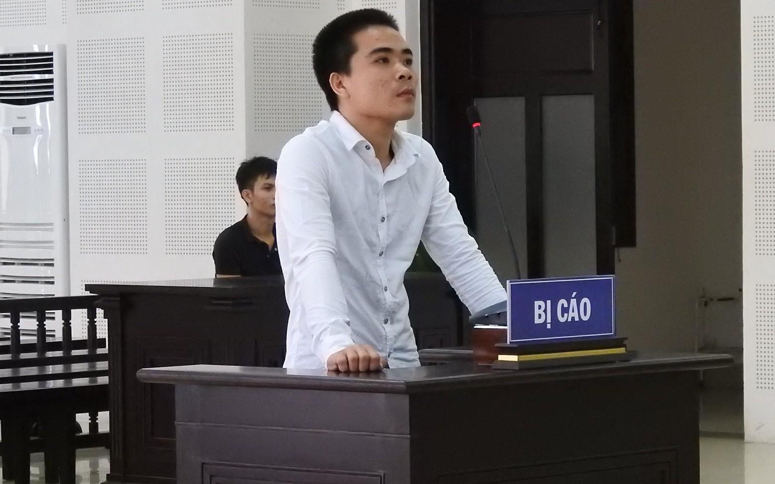 """Phiên tòa """"đặc biệt"""" ở Đà Nẵng: Cả bị cáo và nạn nhân đều đến tòa bằng xe chở tội phạm giết người"""