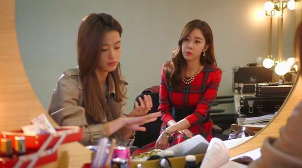 """Yoo In Na cuối cùng cũng """"nếm đủ"""" vị đắng như """"mợ chảnh"""" Chun Song Yi ngày trước - Ảnh 2."""