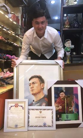 Tạm biệt Việt Nam sang Thái Lan thi đấu, Đặng Văn Lâm nhắn nhủ ấm lòng: Mãi là Lâm ta của các bạn - Ảnh 2.