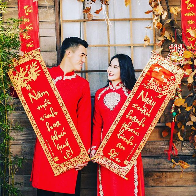 Tết Kỷ Hợi: Hội cầu thủ Việt cực đẹp trong áo dài cách tân - Ảnh 1.