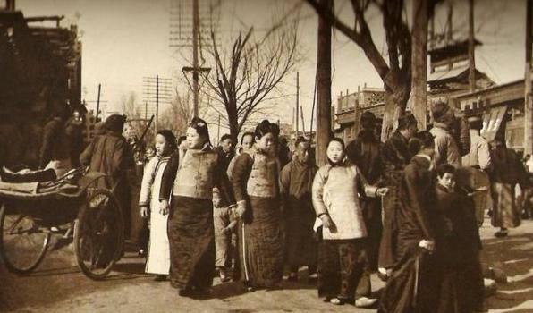 Ảnh hiếm về khung cảnh đón Tết của người Trung Quốc dưới thời nhà Thanh hàng trăm năm trước - ảnh 5