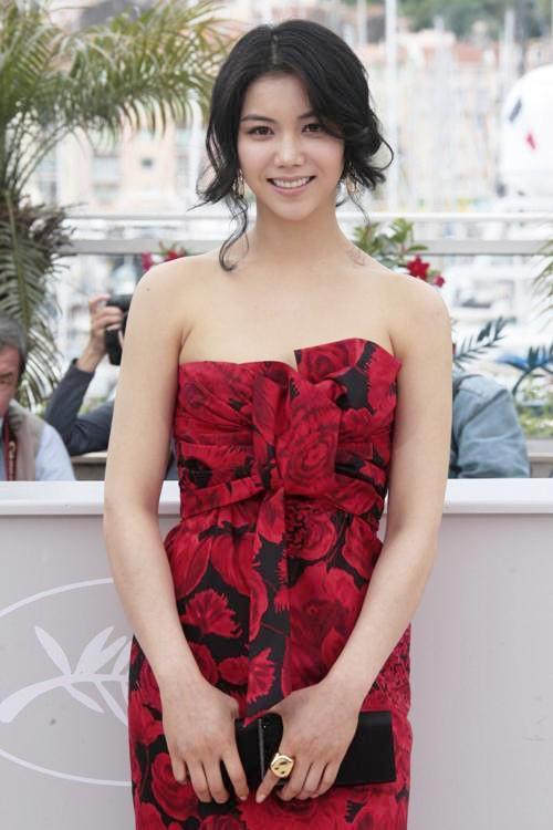 Tiểu tam tin đồn mới trong vụ ồn ào Song Song: Cô dâu Hà Nội từng gây sốc vì cảnh nóng, xuất sắc tiến đến Cannes - ảnh 18