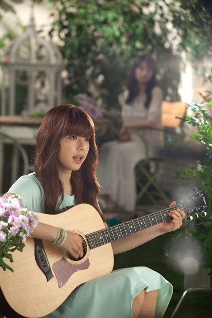 Không được công ty quan tâm, netizen chỉ biết tiếc nuối cho nữ ca sĩ từng là kỳ phùng địch thủ của IU này - Ảnh 4.