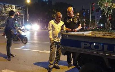 Danh tính nam tài xế gây tai nạn rồi dùng dao đâm nạn nhân trên phố Hà Nội