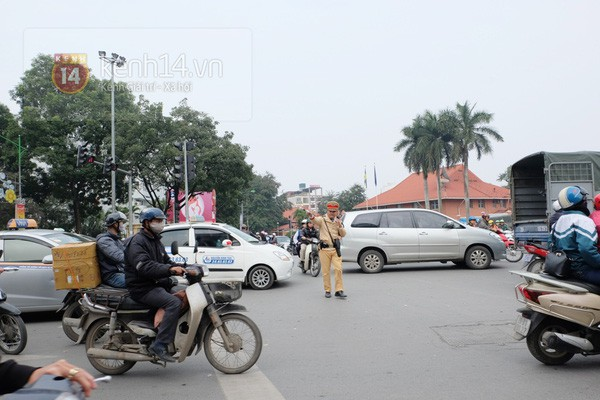 Hà Nội: Công an đóng giả xe ôm bắt gọn toán cướp ngày 8/3 - Ảnh 1.