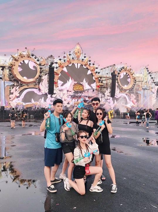 Đã mắt với loạt khoảnh khắc nóng bỏng của giới trẻ Việt tại lễ hội Songkran 2019 - Ảnh 2.