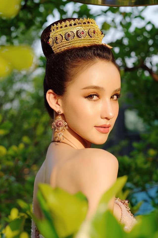 Yoshi diện quốc phục Thái, khoe vẻ ngoài tuyệt sắc xứng danh nữ thần tại Songkran 2019 - Ảnh 3.