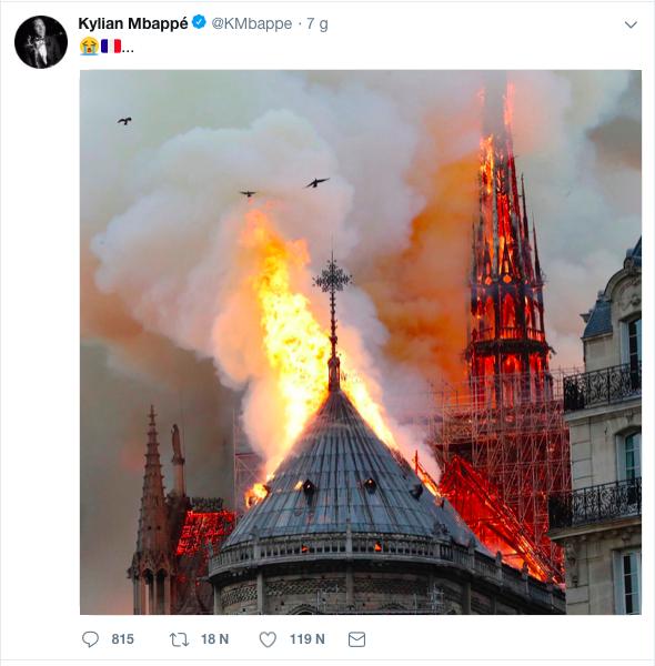 Hàng loạt ngôi sao bóng đá nuối tiếc vì nhà thờ Đức Bà, biểu tượng của thủ đô Paris bị lửa tàn phá - Ảnh 1.