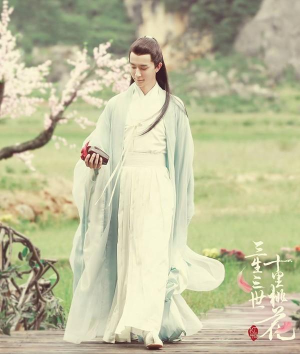 Nam hồ ly tinh trên màn ảnh Hoa Ngữ: Người mắt đỏ như máu, kẻ nanh nhọn như ma cà rồng lịch kiếp - Ảnh 7.