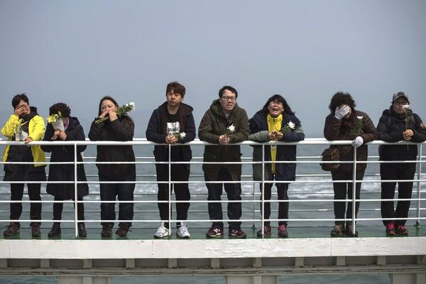 5 năm sau thảm kịch chìm phà Sewol, Hàn Quốc: 9 người vẫn mất tích, nỗi đau chưa nguôi - ảnh 1