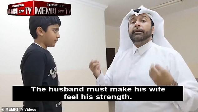Quay clip 'dạy đánh vợ', người đàn ông Quatar hứng chịu chỉ trích từ cộng đồng mạng - ảnh 1