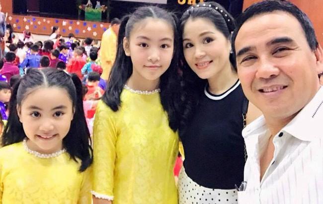 Con gái MC Quyền Linh lần đầu catwalk với áo dài, càng nhìn càng thấy thần thái của Hoa hậu tương lai - ảnh 4
