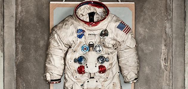 Tại sao áo phi hành gia phải có màu trắng? Hóa ra có một nguyên nhân mang ý nghĩa sống còn đằng sau nó - ảnh 1