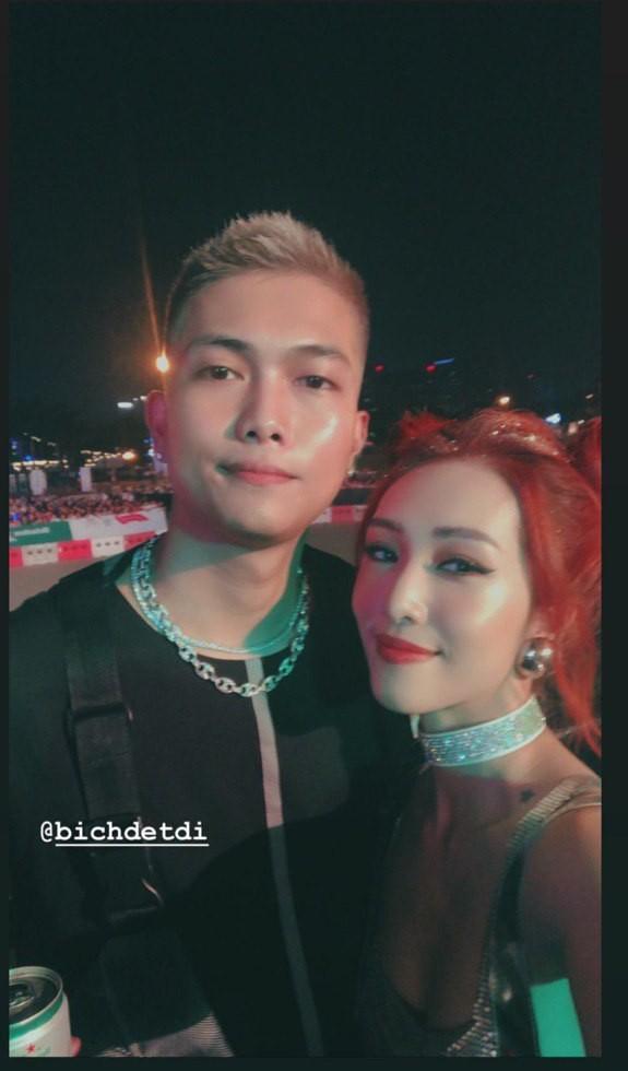 Sơn Tùng M-TP diện áo trắng chuẩn soái ca, Min xuất hiện không mệt tại sự kiện lớn ở Hà Nội - ảnh 6