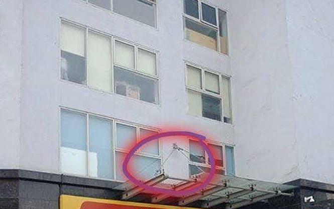 Bé trai 4 tuổi rơi từ tầng 11 chung cư ở Hà Nội đã tử vong