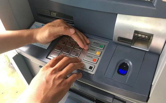 TP.HCM: Ngân hàng chuyển nhầm 5 tỷ đồng vào tài khoản, thanh niên 19 tuổi âm thầm rút hơn 1 tỷ tiêu xài