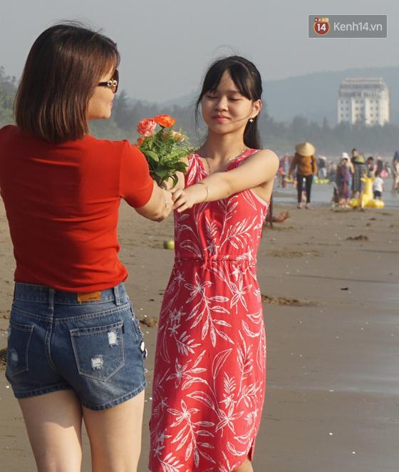 Du khách dậy 5 giờ sáng ra bãi biển Cửa Lò đón bình minh, tận hưởng khoảnh khắc vắng vẻ duy nhất trong ngày  - Ảnh 8.