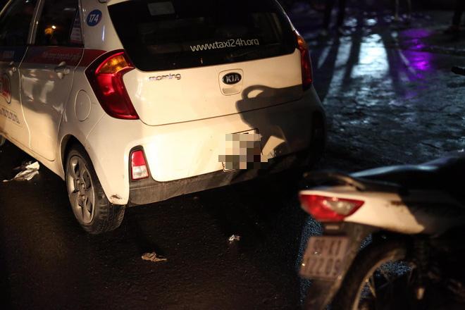 Hà Nội: Phát hiện nữ tài xế bị đâm trọng thương trên xe taxi, nghi bị sát hại do mâu thuẫn tình cảm - Ảnh 4.