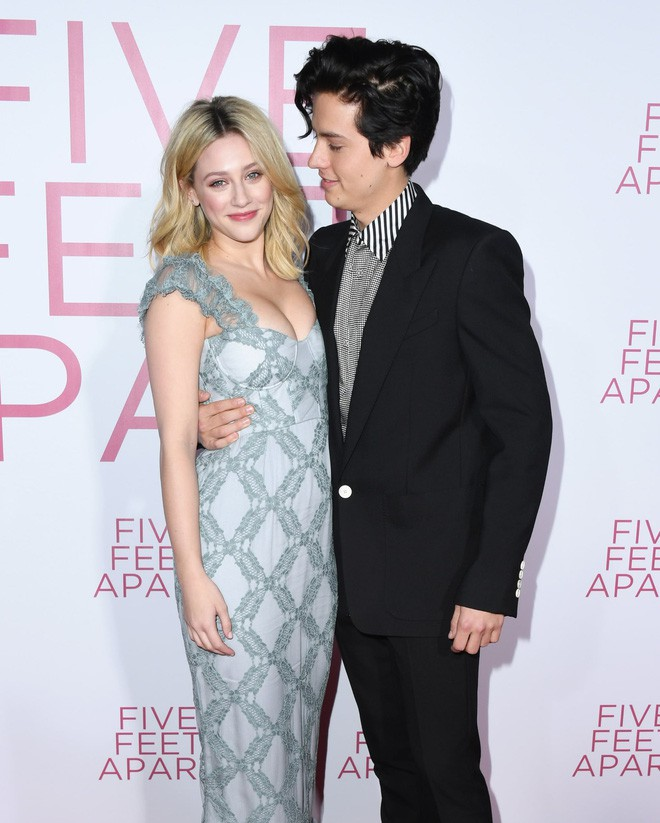 6 cặp đôi 9X đáng ngưỡng mộ nhất Hollywood: Mối tình của Justin hay Miley không xúc động bằng sao nhí Zack & Cody - ảnh 32