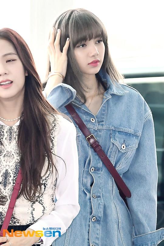 BLACKPINK lại gây náo loạn sân bay: Jennie và Lisa như đi catwalk, Jisoo lại chiếm trọn spotlight vì đẹp xuất thần - ảnh 11