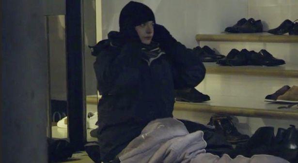 Thiếu gia ngập trong hàng hiệu tỉnh ngộ sau 1 đêm sống như người vô gia cư - ảnh 4