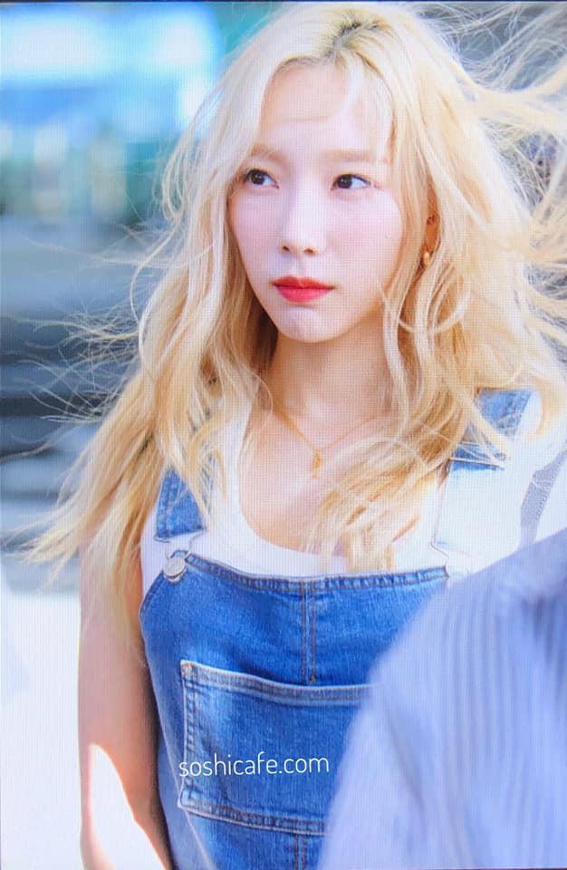 Khi idol Kpop tóc gió thôi bay: Người đẹp lồng lộn, kẻ thành trò cười thiên hạ, riêng em út BLACPINK gây tò mò - ảnh 18
