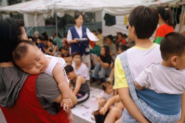 Câu chuyện ám ảnh về người vợ phải dậy từ 4h30 sáng nấu cơm cho mẹ chồng và thế hệ phụ nữ trẻ Hàn Quốc không yêu, không kết hôn, không con cái ngày nay - ảnh 3