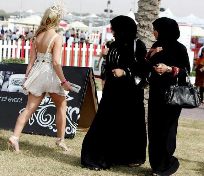 Những sự thật nghiệt ngã ít người biết về Dubai - thành phố dát vàng giàu sang bậc nhất thế giới - ảnh 10