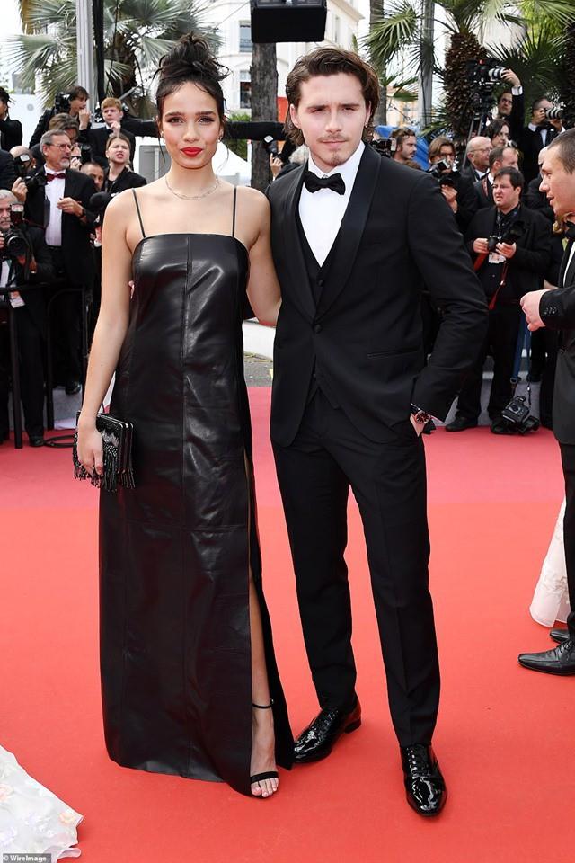 Biểu cảm há hốc miệng, mắt đầy thâm tình của Brooklyn Beckham khi ngắm nhìn bạn gái tại Cannes bất ngờ gây bão - ảnh 3