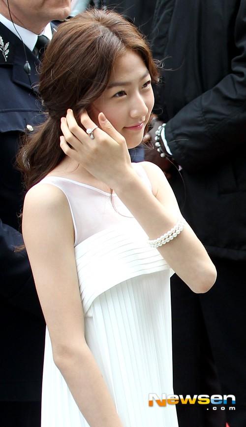 Nữ minh tinh xứ Hàn lên thảm đỏ Cannes: Jeon Ji Hyun và mẹ Kim Tan gây choáng ngợp, nhưng sao nhí này mới đáng nể - ảnh 38
