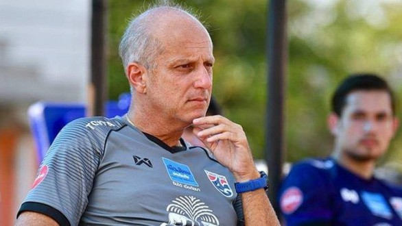 Đội bóng của Văn Lâm tính gây sốc, chi hơn 14 tỷ đồng chiêu mộ HLV từng thảm bại trước U23 Việt Nam - ảnh 1