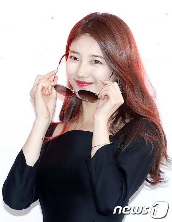 Nữ thần sắc đẹp Suzy gây náo loạn khu phố Hàn vì đẹp lồng lộn, được dàn vệ sĩ hộ tống như bà hoàng tại sự kiện - ảnh 9