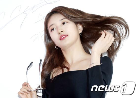 Nữ thần sắc đẹp Suzy gây náo loạn khu phố Hàn vì đẹp lồng lộn, được dàn vệ sĩ hộ tống như bà hoàng tại sự kiện - ảnh 8