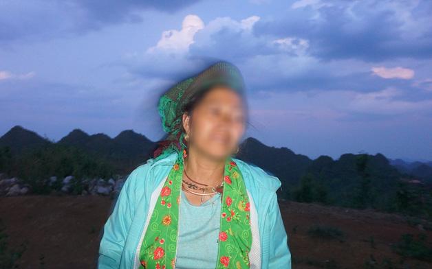 """Con trai bị tố hiếp dâm bé gái 13 tuổi trong phòng X-Quang, mẹ òa khóc: """"Con gây ra chuyện thì chúng tôi cũng có một phần trách nhiệm"""""""