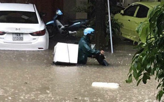 Chùm ảnh: Lũ lớn kinh hoàng càn quét Móng Cái, 1 người mất tích, hàng loạt tàu thuyền bị đắm và tài sản bị nhấn chìm