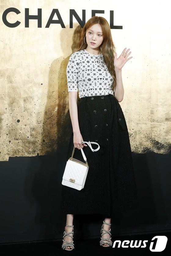 Sự kiện Chanel tại Seoul: Kristen Stewart xuất hiện với diện mạo dọa ma, chị em nhà Jessica - Krystal xuống sắc - ảnh 10