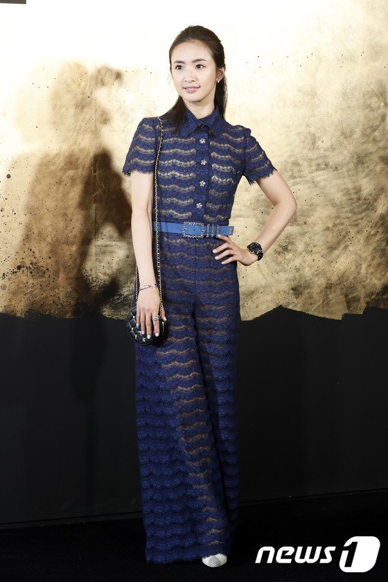 Sự kiện Chanel tại Seoul: Kristen Stewart xuất hiện với diện mạo dọa ma, chị em nhà Jessica - Krystal xuống sắc - ảnh 15