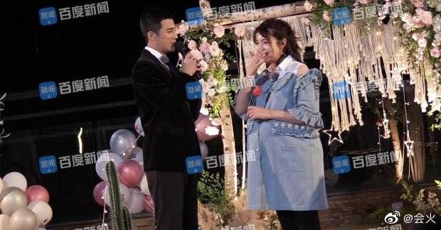 Rò rỉ hình ảnh Hàm Hương Tân Cương bụng to vượt mặt, rơi nước mắt khi được Tổng tài kém 4 tuổi cầu hôn - ảnh 3