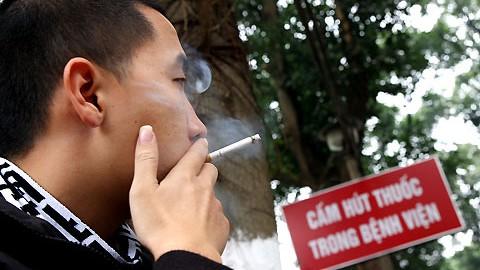 Nghiên cứu cách phạt nguội người hút thuốc lá tại nơi công cộng - Ảnh 4.