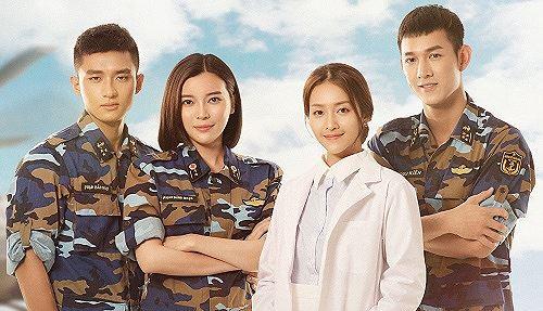 Bất ngờ chưa: Hậu Duệ Mặt Trời bản Việt được truyền hình Trung mua lại nhưng... viết sai tên đạo diễn - ảnh 1