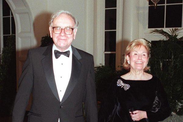 Doanh nhân Đặng Lê Nguyên Vũ khuyên Đàn ông tính chuyện lớn đừng lấy vợ giống qua, còn tỷ phú thế giới Warren Buffett, Bill Gates nói gì về hôn nhân? - ảnh 1