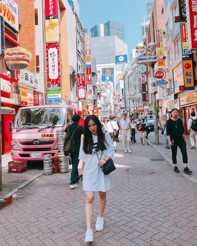 Không chỉ đẹp tựa nữ thần hay sở hữu hàng loạt bản hit, cô nàng này còn là người có tần suất du lịch đáng nể nhất showbiz Việt! - ảnh 17