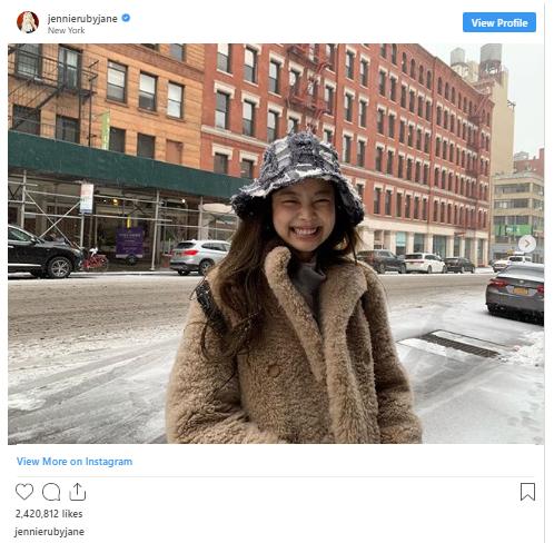 18 khoảnh khắc triệu like gây bão Instagram của Jennie: Bí quyết nằm ở body, 1 mỹ nhân đặc biệt được ưu ái lộ diện - Ảnh 10.