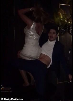 """Mariah Carey - Diva đình đám trở nên xấu xí với loạt sở thích trụy lạc, lộ """"phốt"""" ngoại tình hot nhất thế giới những ngày qua - ảnh 11"""
